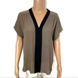 Express Taupe & Black Short Sleeve Blouse